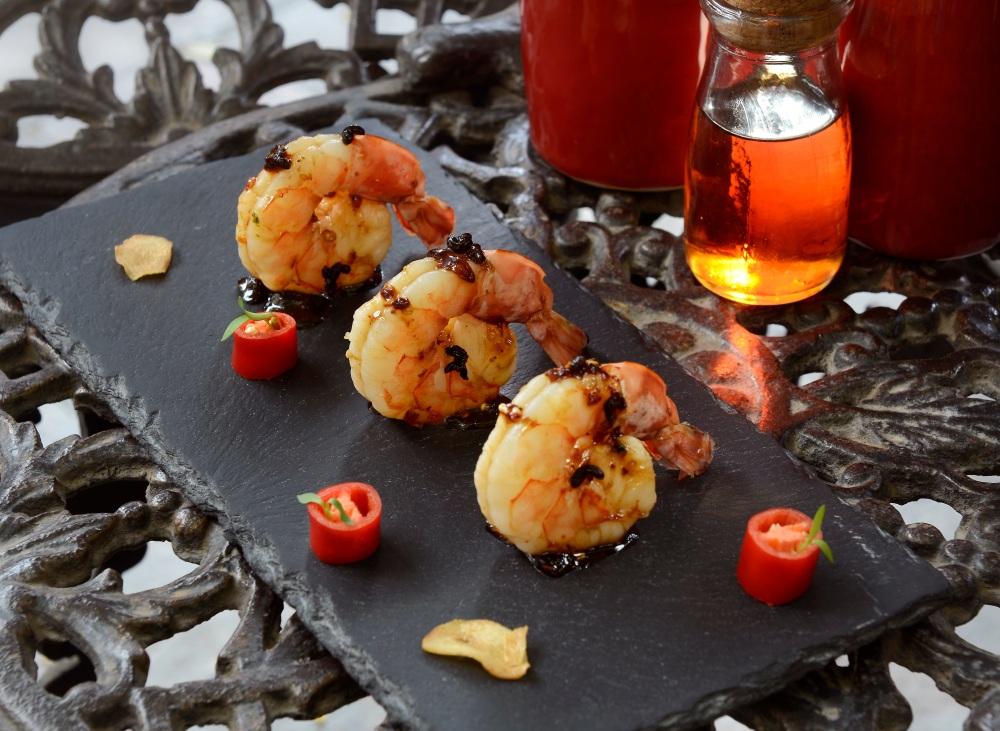 schezwan-pepper-maple-glazed-prawns